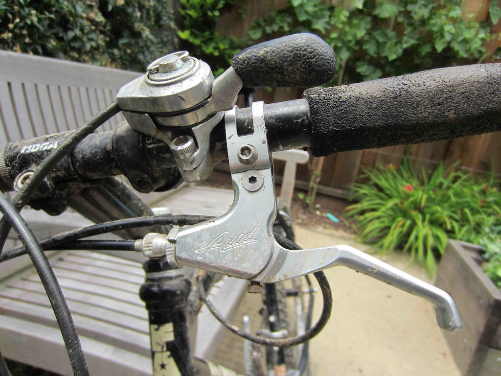 Q re maintenance for 1991 Fat Chance Wicked running 80's -90's parts-shifter-detail.jpg
