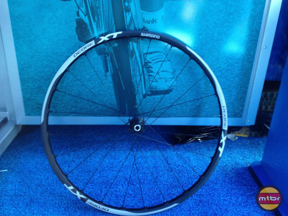 Shimano 27.5 XT Wheel