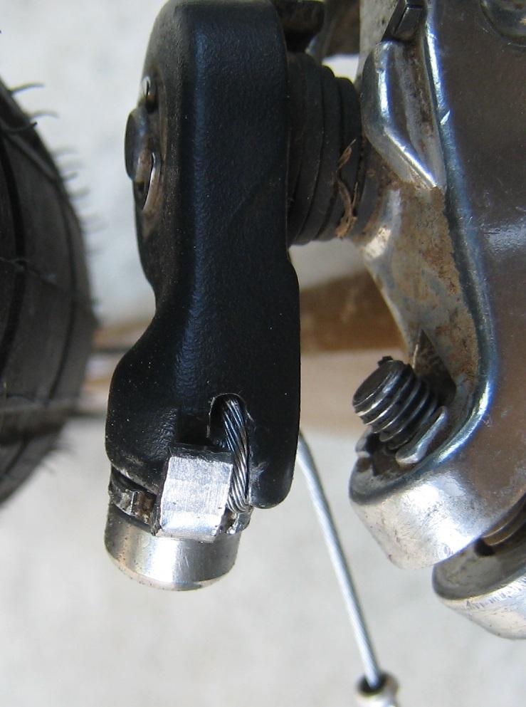 Successful front der mod for MTB front der w/ STI road levers-shimanofd_mod_underside.jpg