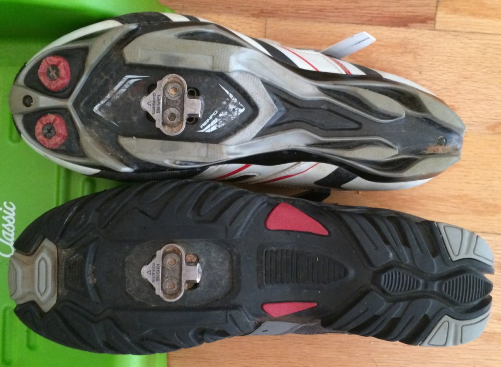 Time for new hike-able clipless biking shoes. Please chime in.-shoesbottom.jpg