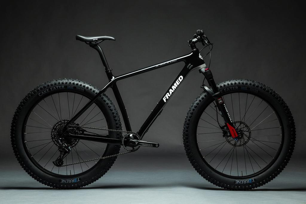 2019 Framed Alaskan Carbon Redesign-shop-framed-alaskan-carbon-27-nx-eagle-1x12-ltd-fat-bike-bluto-fork-carbon-wheels-black-black_ff.jpg