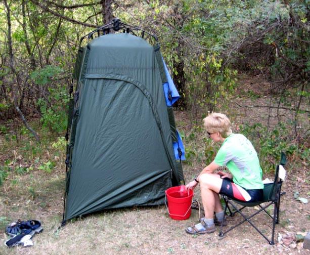 Car camping/riding tours - bathing set up?-shower-sandy.jpg