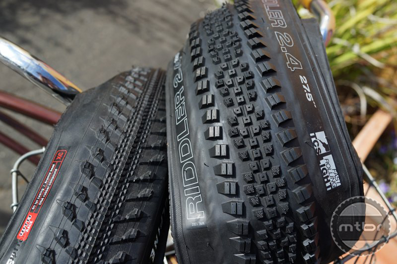 Here is the Vulpine semi-slick tire on the left from 2007 compared to the new Riddler.