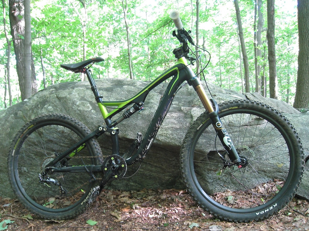 2013 Stumpjumper EVO pics...-side.jpg