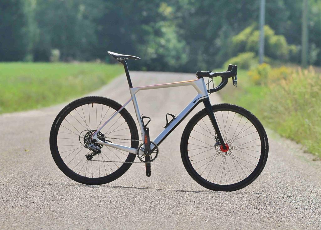 ICAN GRA02 Gravel Bike Frame-side-small.jpg