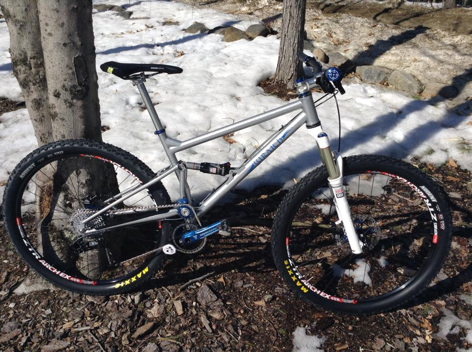 Steel Full Suspension Bikes-sil.jpg
