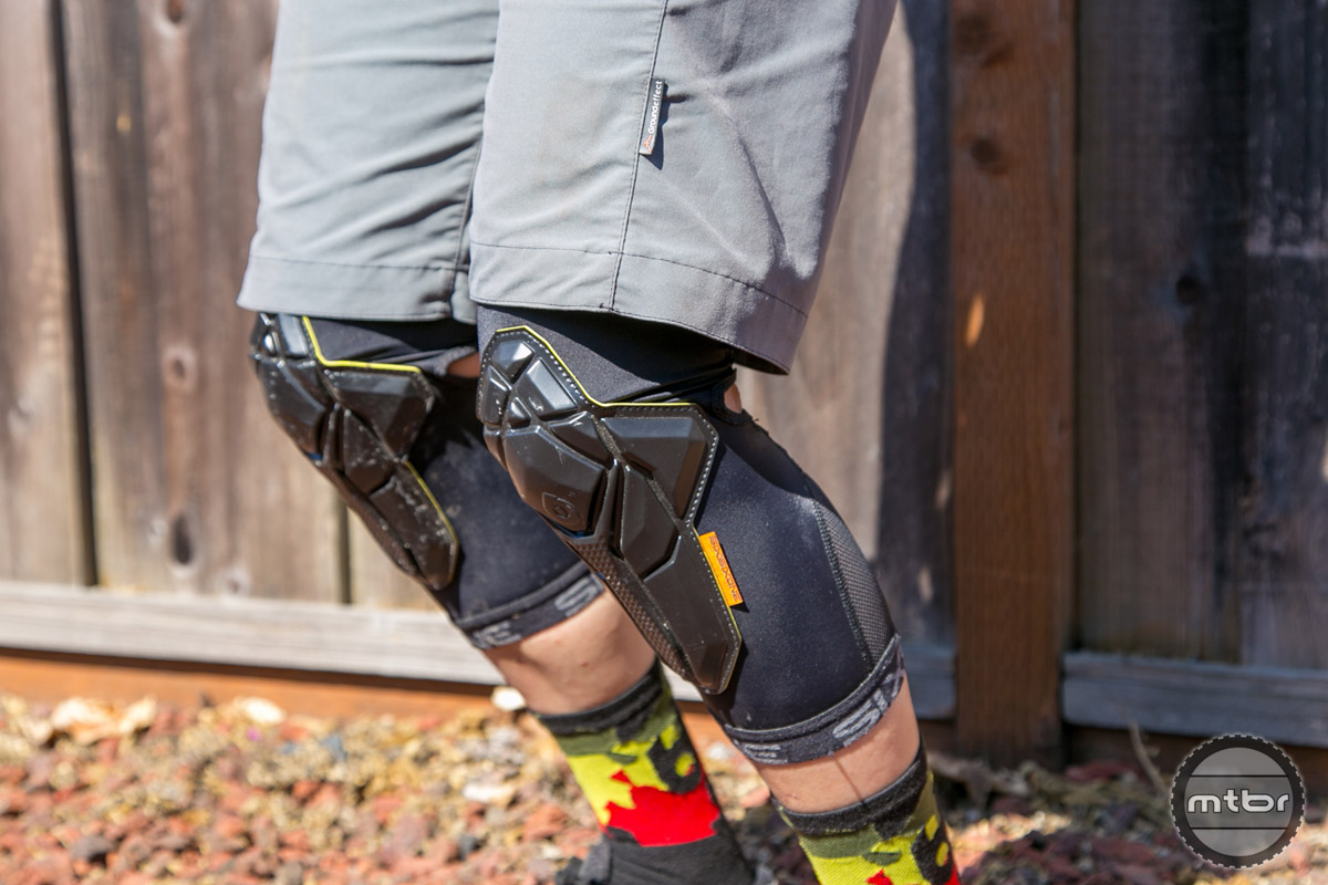 Unlike the majority of competitors in this sphere who use a knee sock design with protective padding slapped on, the Recon pays subtle attention to venting and comfort to help distinguish itself in a crowded market place.