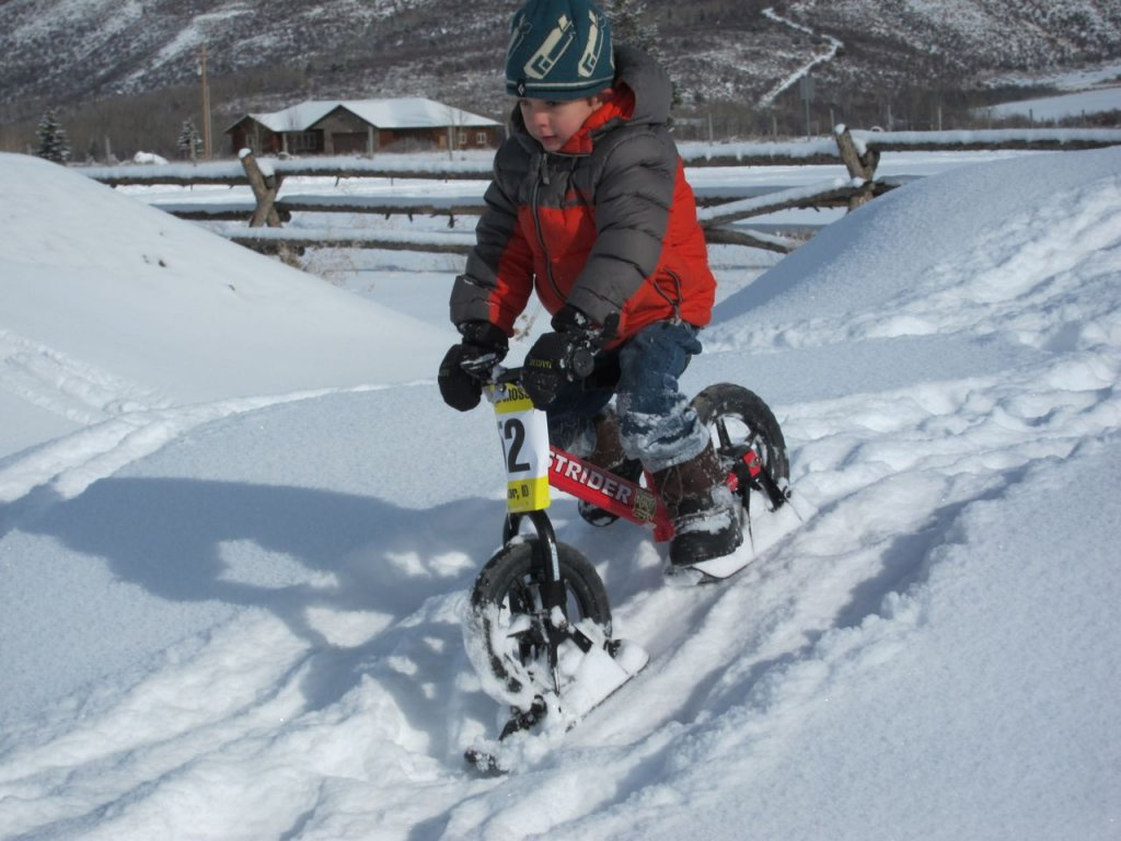 Teaching kids to ride: Strider? Or training wheels?-skibike.jpg