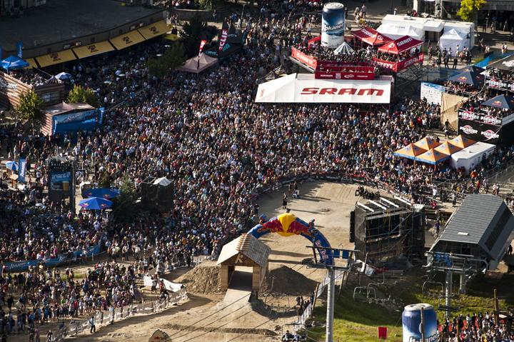 Crankworx-slopestyle-crowd.jpg