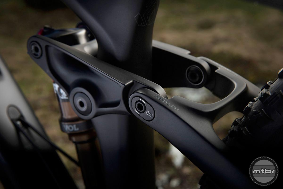 Trek Re:aktiv Thru Shaft on Fuel EX 29er sporting the Mino Link to adjust bike geometry.