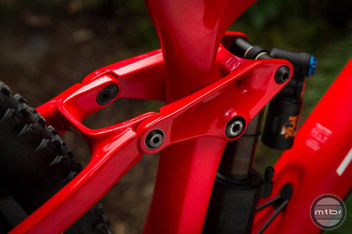 The adjustable suspension is configured via the Mino Link.