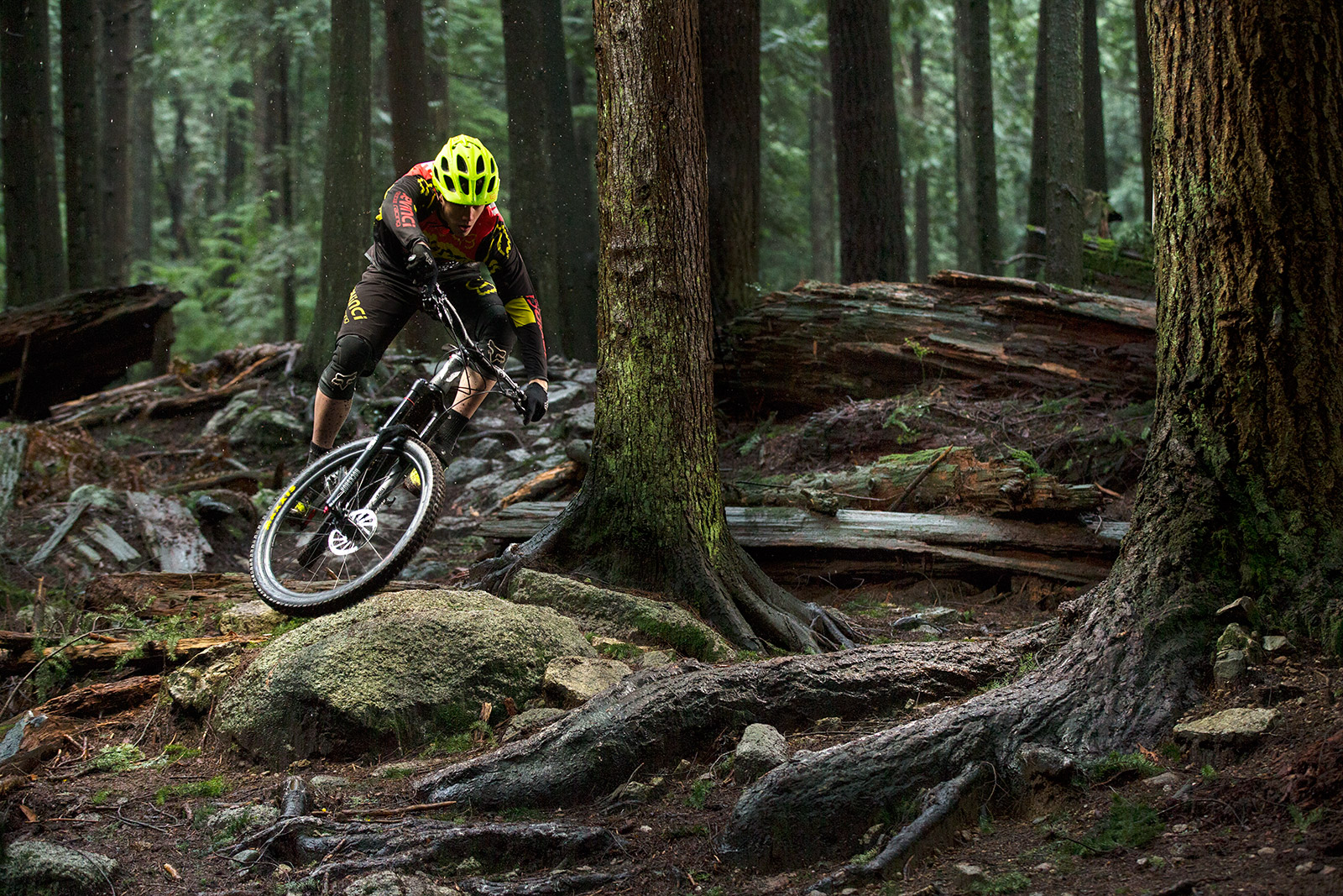 The new Turbine R wheelset is tough enough for the Devinci Global Racing squad, but light enough for trail use.
