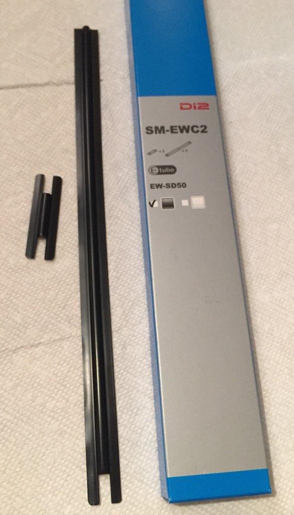 Shimano XTR Di2 1 x 11 setup-sm-ewc2-di2-e-tube-covers.jpg