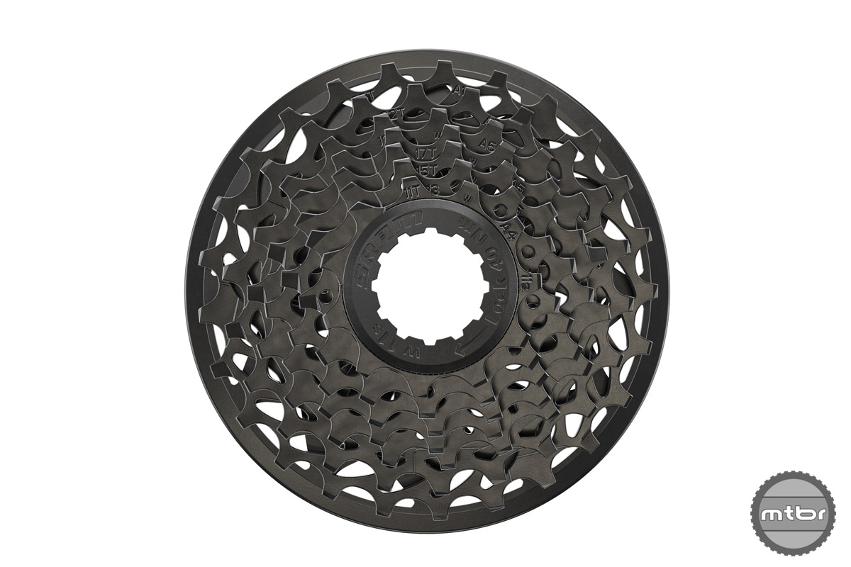 The $284 machined X01 DH cassette weighs 136g, the $30 PG-720 hits the scales at 224g.
