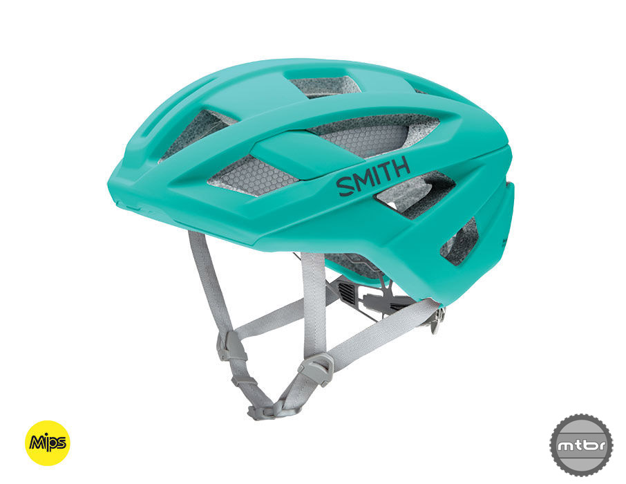 The main difference between the road oriented Rover and MTB ready Route is the visor.