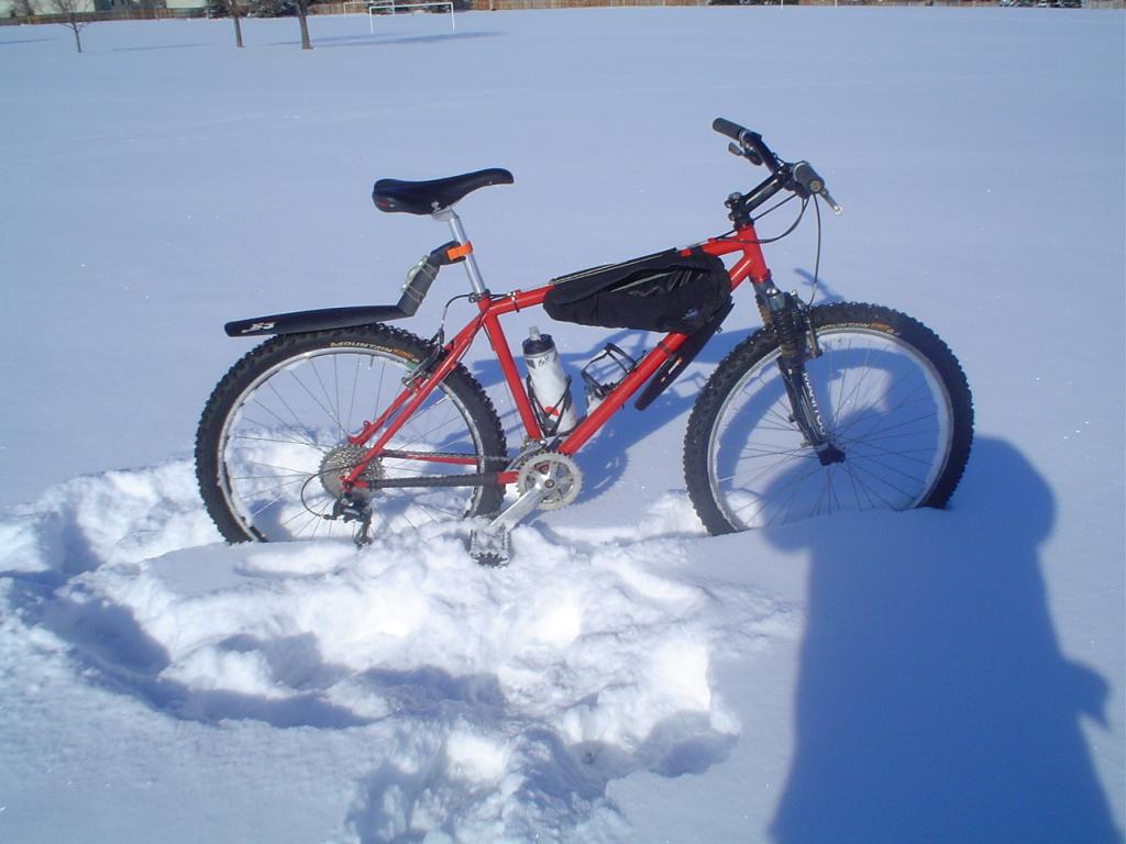 Anyone go for a ride in the snow this weekend?-snow-biking-12-5-2011-001.jpg