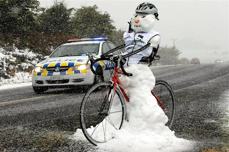 The Long Cold Winter Commuter Support Thread-snowbikeman.jpg