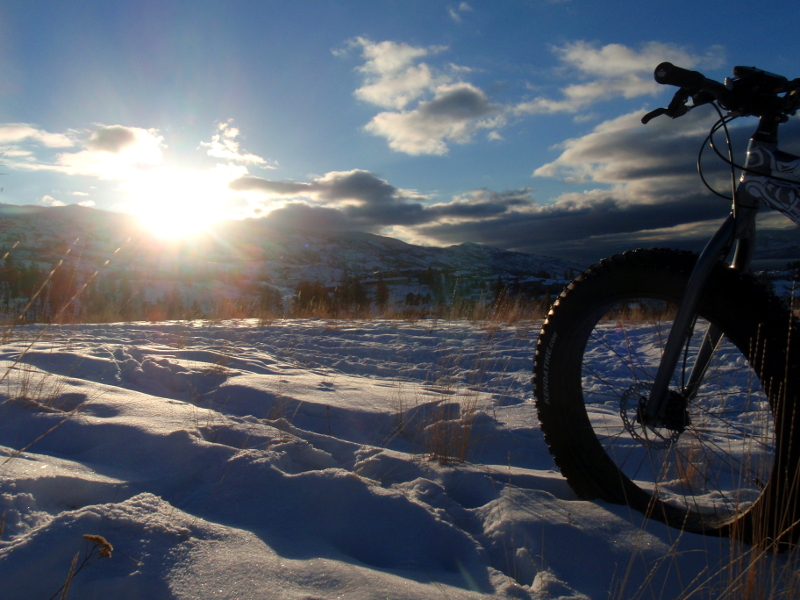 One picture, one line.  No whining. Something about YOUR last ride. [o]-snowsm.jpg