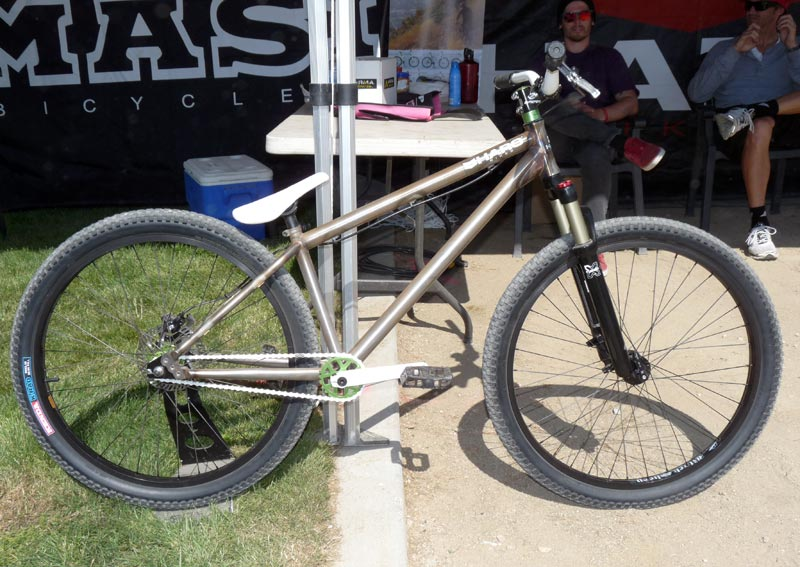 Greetings and an apparently odd request-soc2011-2012-haro-steel-reserve-dirt-jump-bike01.jpg