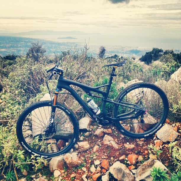 Dual Suspension Chinese Carbon  29er-souda-hill.jpg