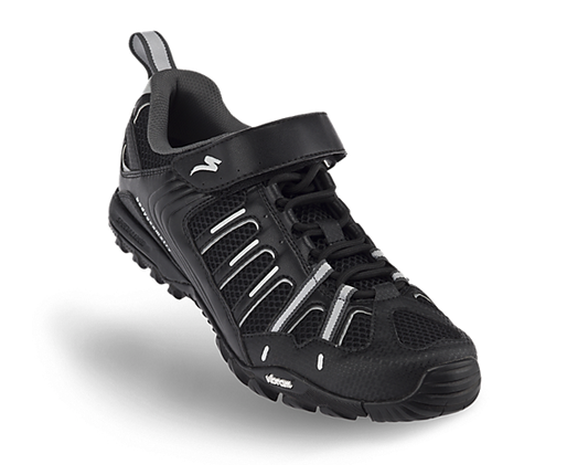 Flats or Clipless Pedals?-specialized-bicycle-components-tahoe-sport.png