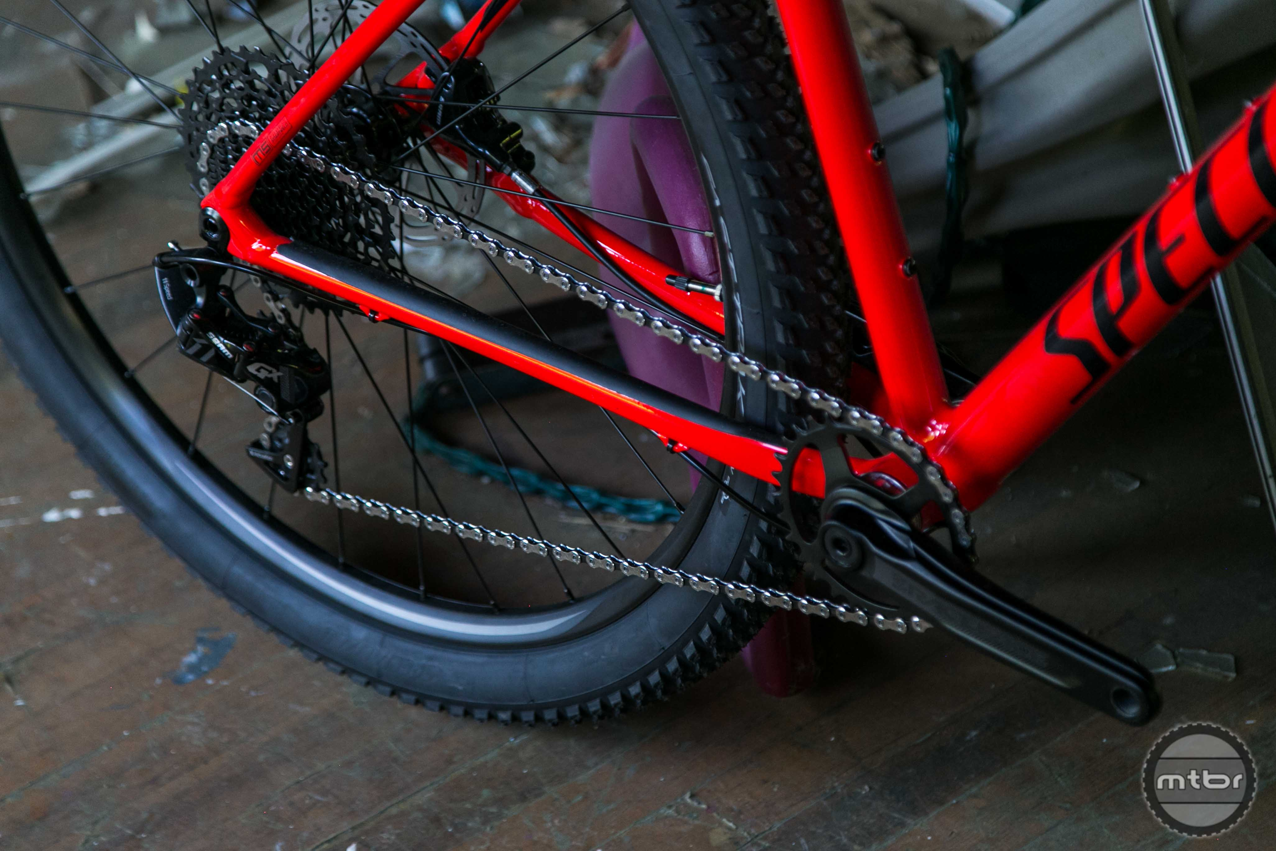 Unlike the Epic FSR, Specialized still offers the option of a 2x drivetrain on the Chisel.