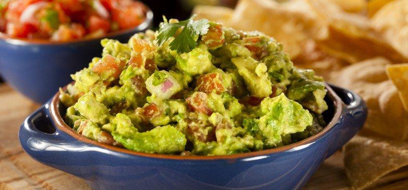 Vegetarian / Vegan / Raw recipes & chat-spicy-guacamole-day1-e1439282211975-808x378.jpg