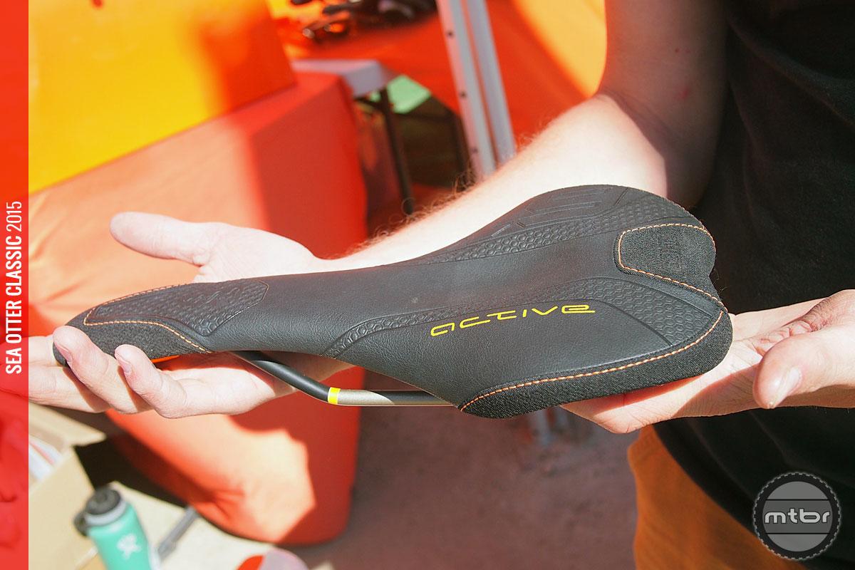 SQlab - active design saddle