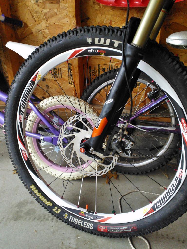 stans flow wheels vs sun charger pro wheels ?-sr2.jpg
