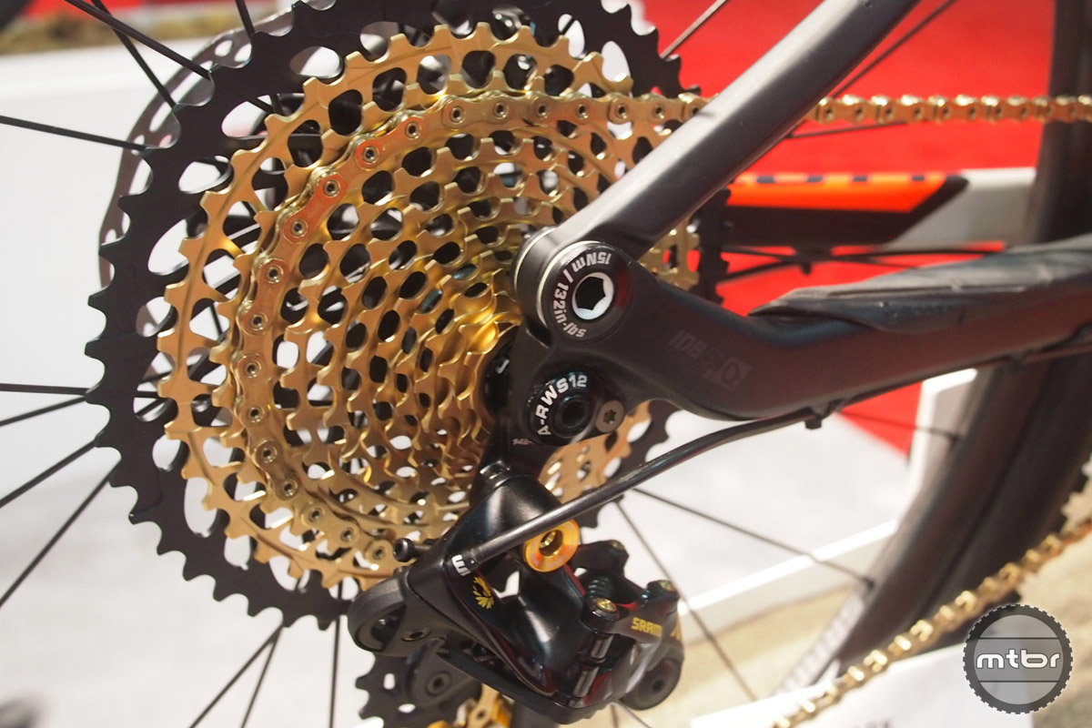 Although many riders have yet to try a 1x10 drivetrain, SRAM's Eagle already goes to 12. Upgrade to a 1x system and find out why riders fall in love with the simplicity of a single front ring.