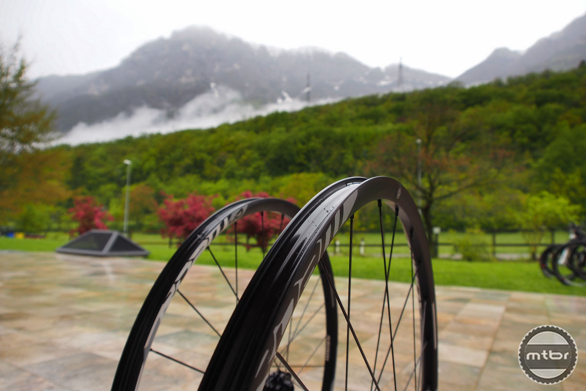 SRAM Roam Rims Profile
