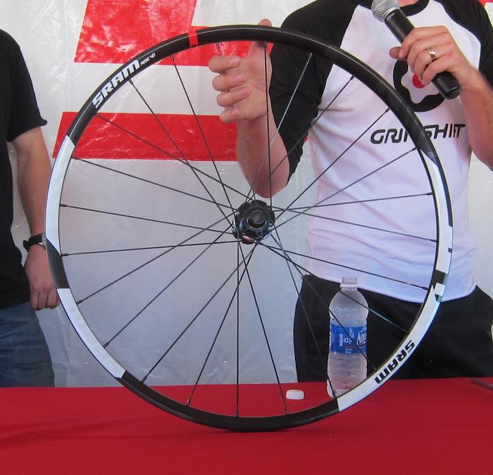 sram_rise_650b_wheel