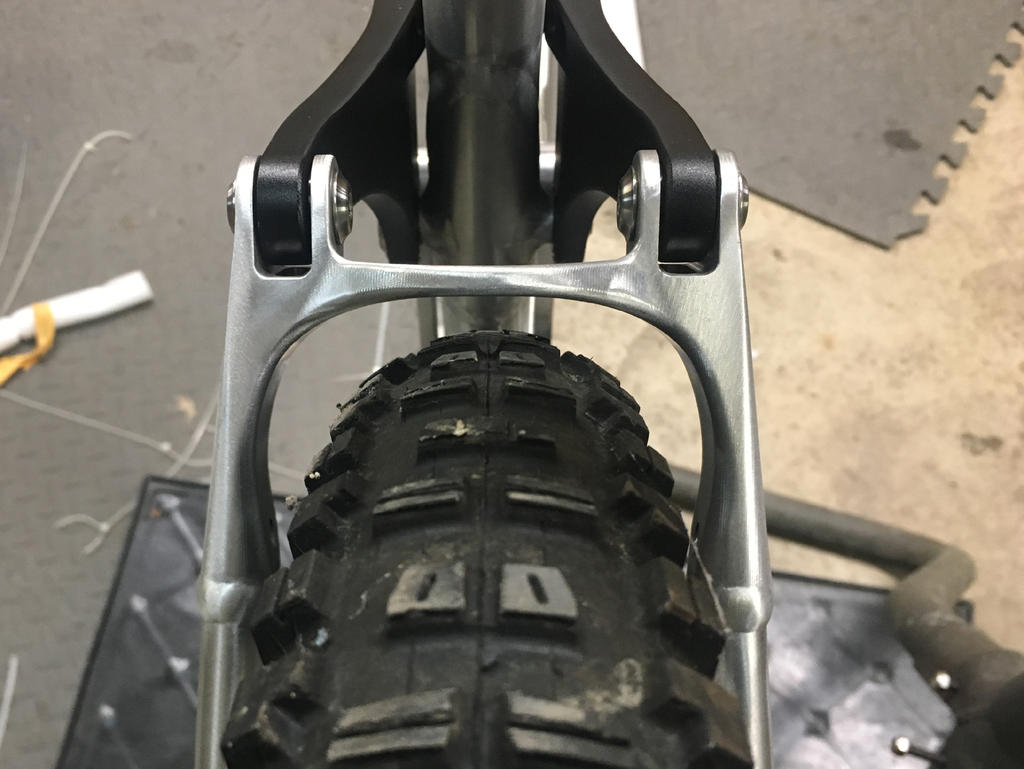 New innovative suspension from Tantrum Cycles. Any thoughts...-ss-tire-clearance.jpg