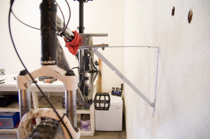 3-part DIY bike stand-stand-4.jpg
