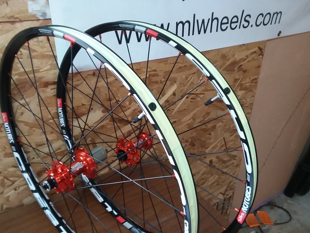 "SPAM: Nice Stan's 24"" wheelset in Classifieds-stans-crest-24-circus-monkey-orange.jpg"