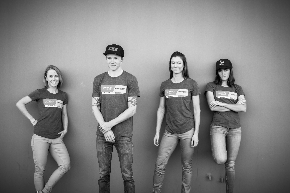 2018 Stan's-Pivot Pro Team