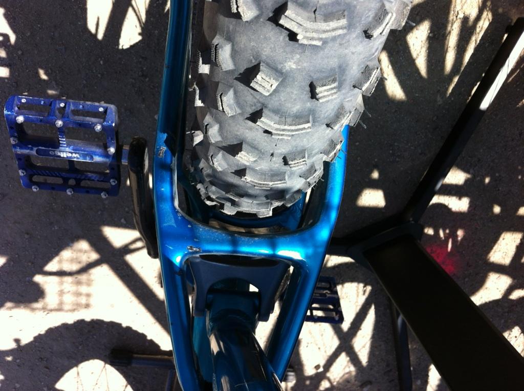 Salsa Cycles BUCKSAW FS Fat Bike-stay_clearance.jpeg