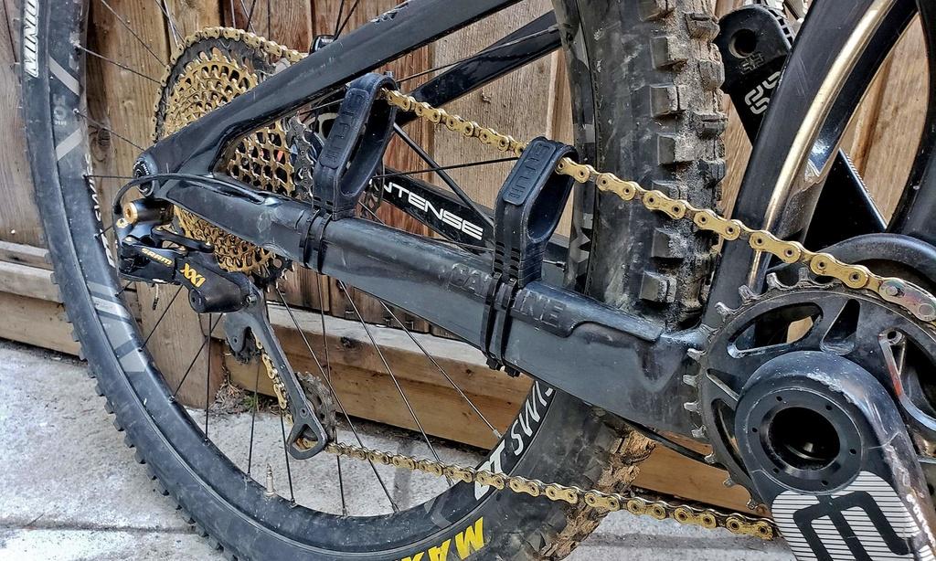 STFU Chain Silencer-stfu-chain-damper_anti-chain-slap-silent-technology-mountain-bike-drivetrain-damping-system.jpg