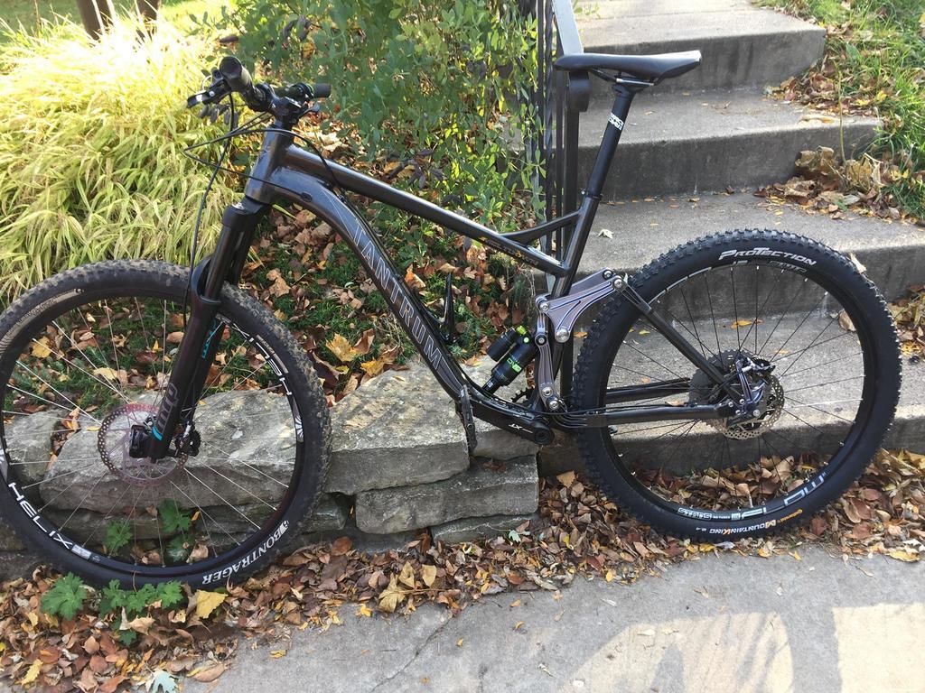 STOLEN/Duluth/rare bike, should be EZ to spot, Black Tantrum-stolen.jpg