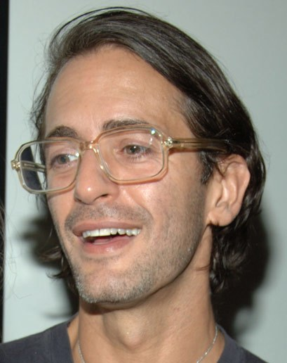 Do any clear glasses look good?-style-2010-03-glasses-glasses-marc-jacobs.jpg