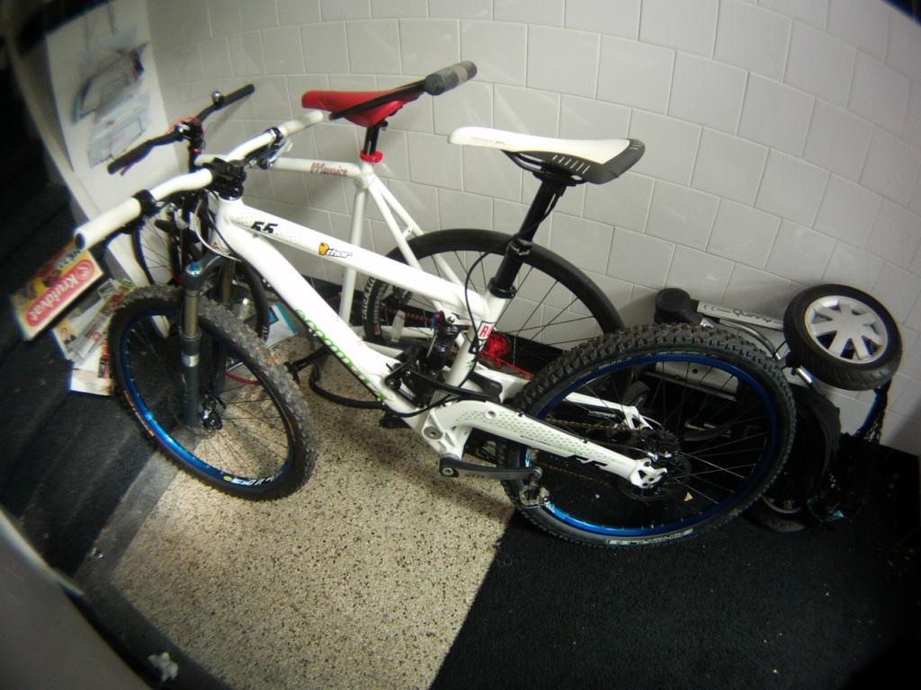 Post a pic of your Commencal!-superenduro-002.jpg
