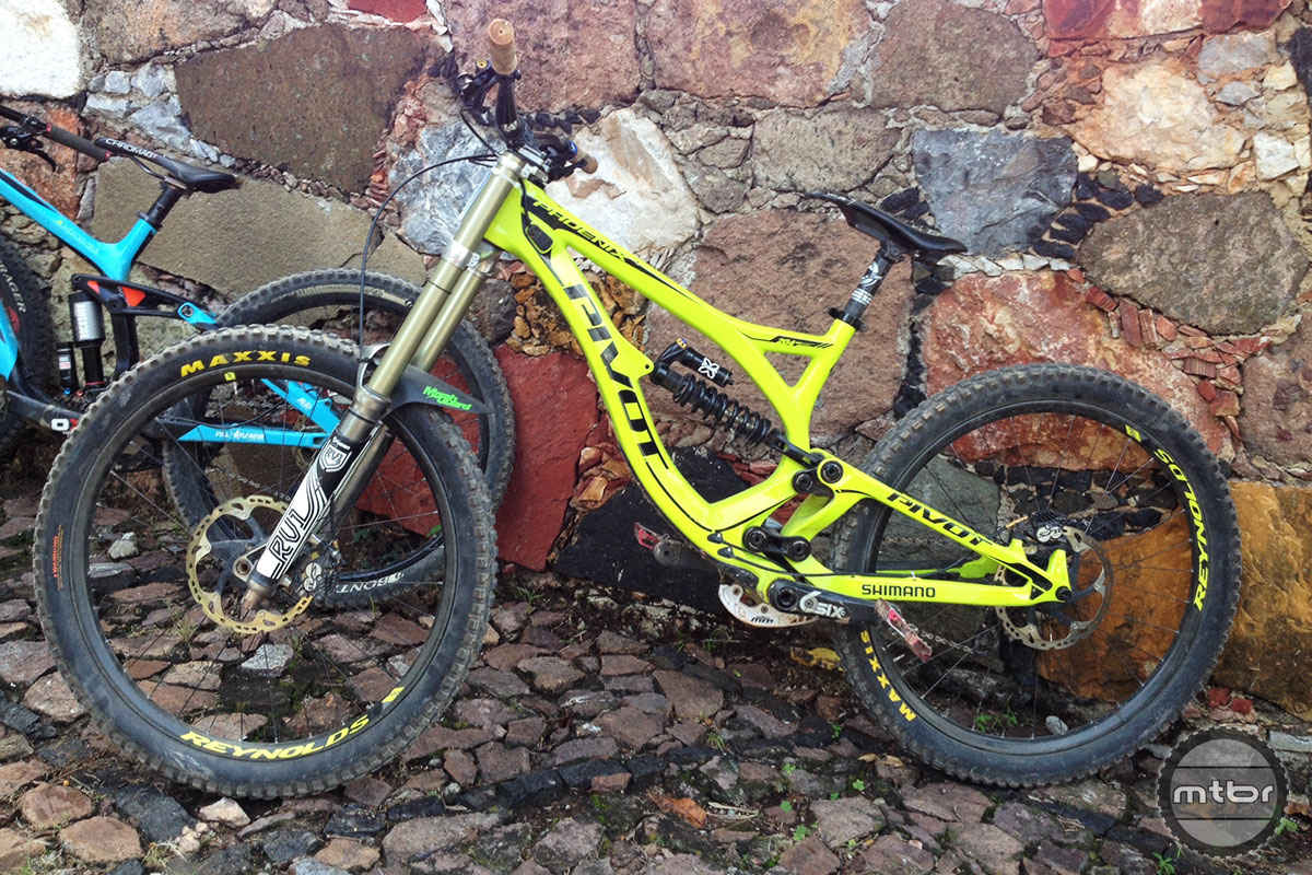 Race 2014 taxco urban downhill bike check for Bernard pineix