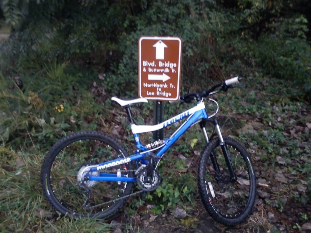 Bike + trail marker pics-teocali.jpg