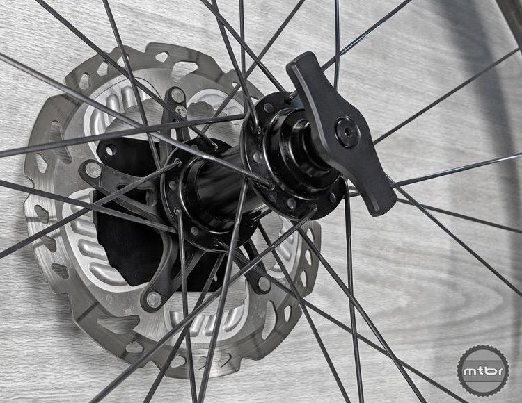 Lindarets Thru Axle Wheel Mount