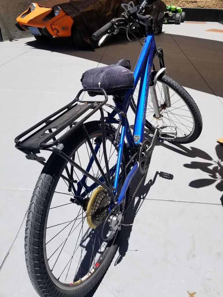 Specialized Rockhopper or Cannondale???-thumbnail-1-.jpg