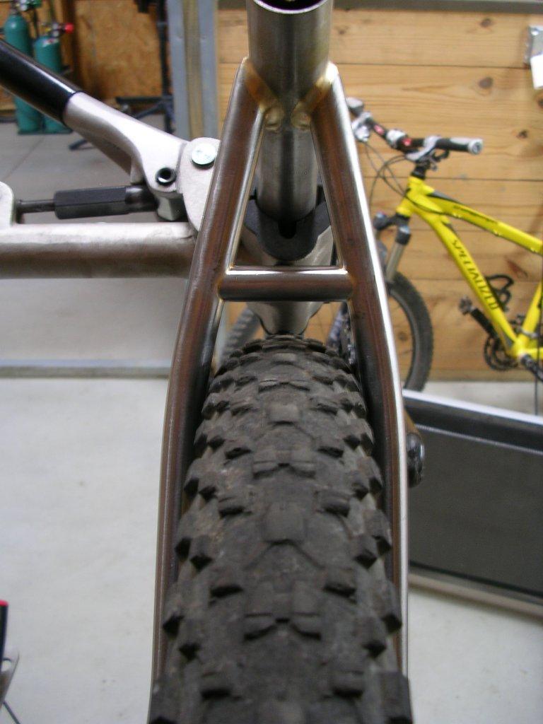Golden Boy - Frame #2-tire-seatstay-clearance-1.jpg