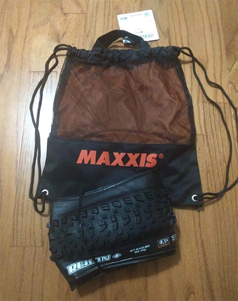 Post a PIC of your latest purchase [bike related only]-tire_and_bag.jpg