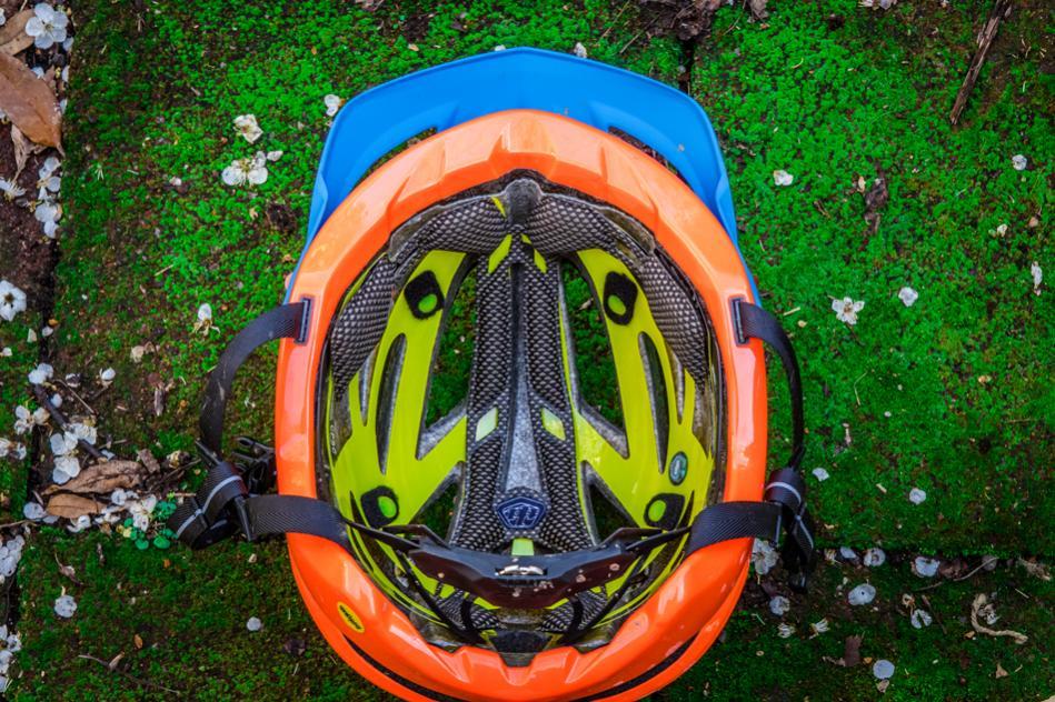 TLD A2 helmet -- safe, not just pretty-tld-a2-950-3.jpg