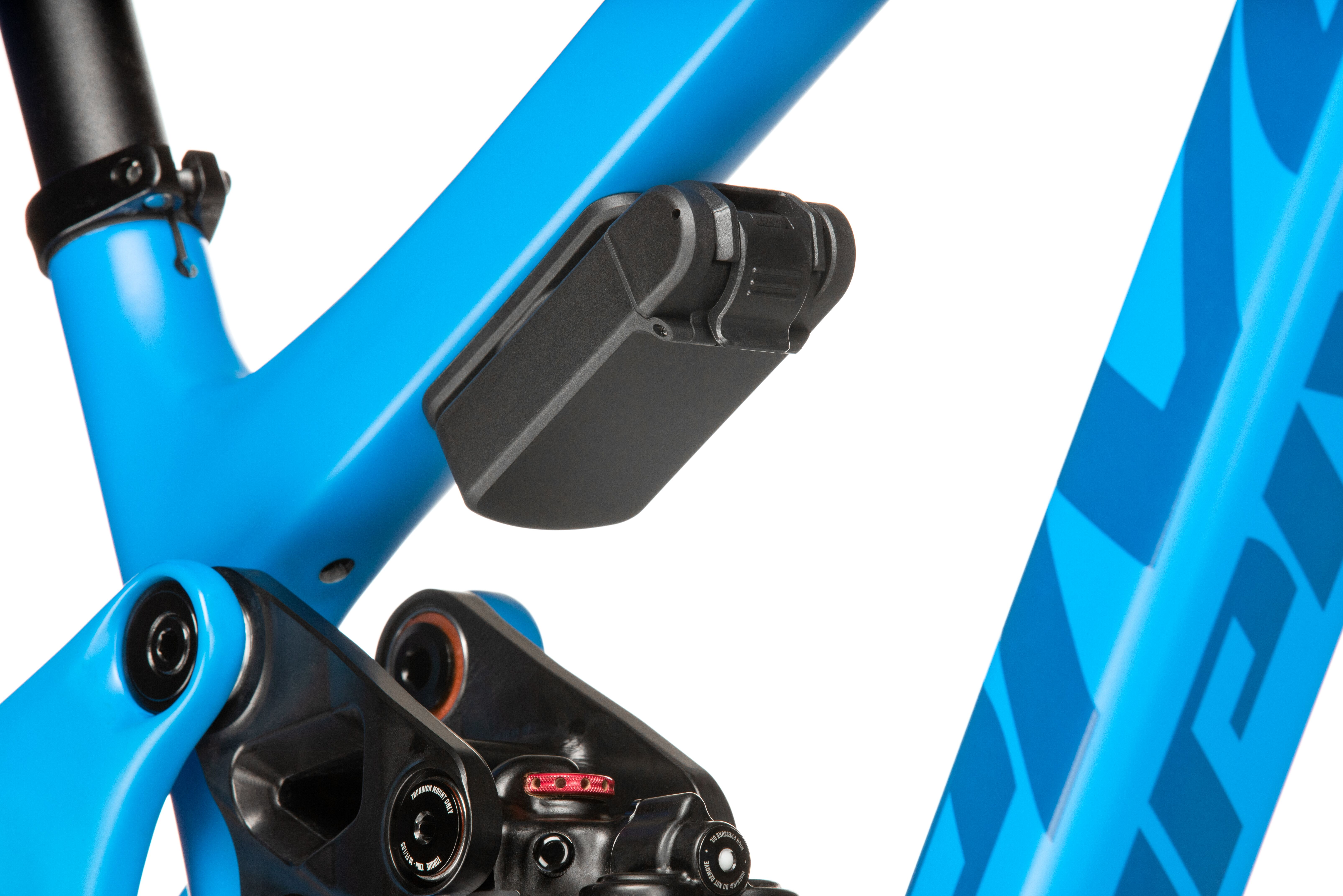 Pivot's new Phoenix Dock Tool System mounts to any bike with bottle cage bolts as well as the accessory mounts that are found on many new mounts bikes this season.