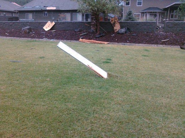 tornado damage-tornado1.jpg